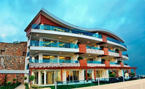 Admiral Premium Residences